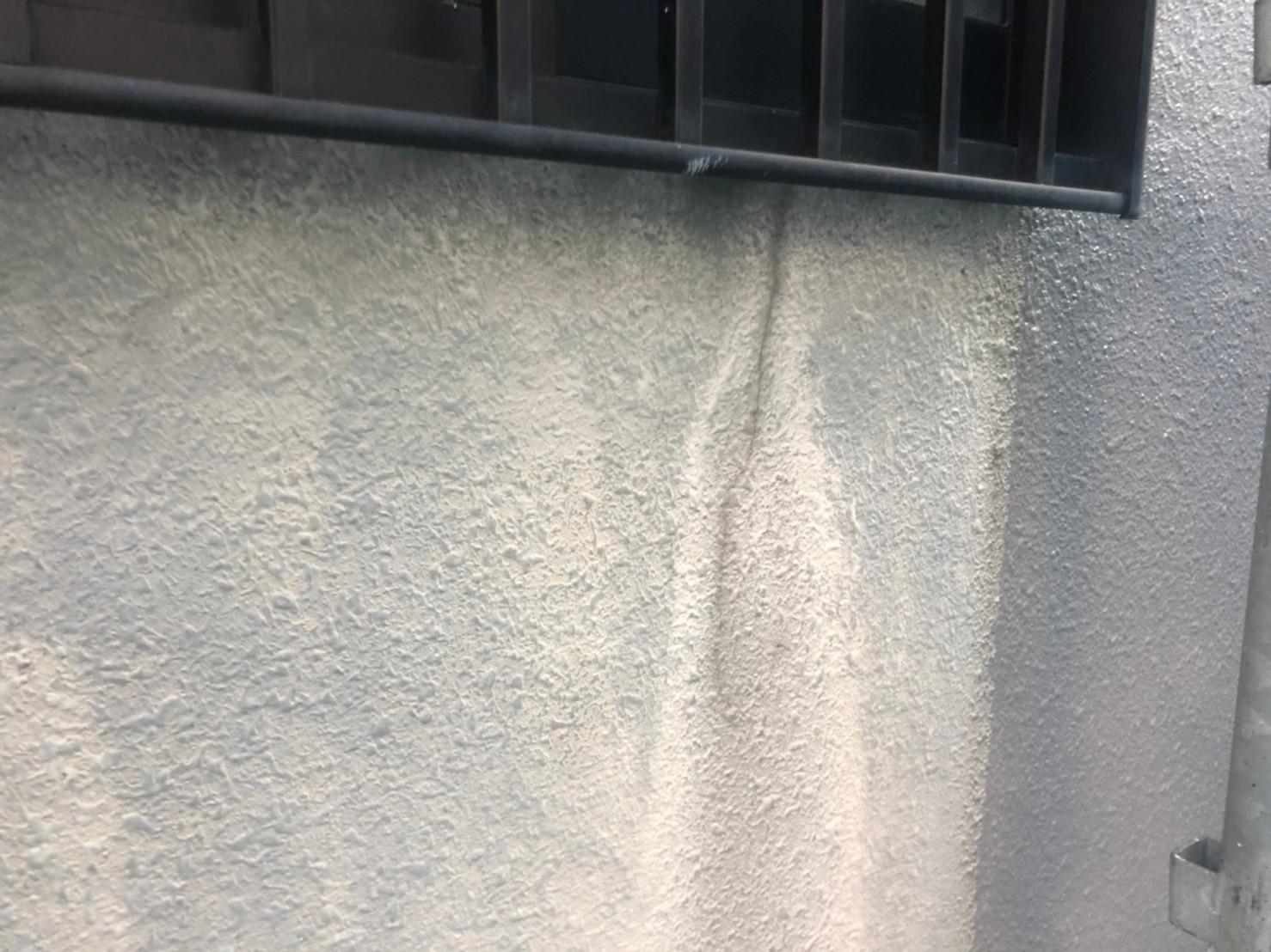 外壁のクラックの画像